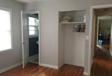 $1100 Room on Shem creek