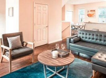 Full-Time Housekeeper Needed ASAP For Off Campus Housing Community! (Boca Raton)