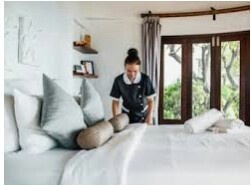 HOUSEKEEPERS & HOUSEMEN WANTED FOR HOTEL (Miami Beach)