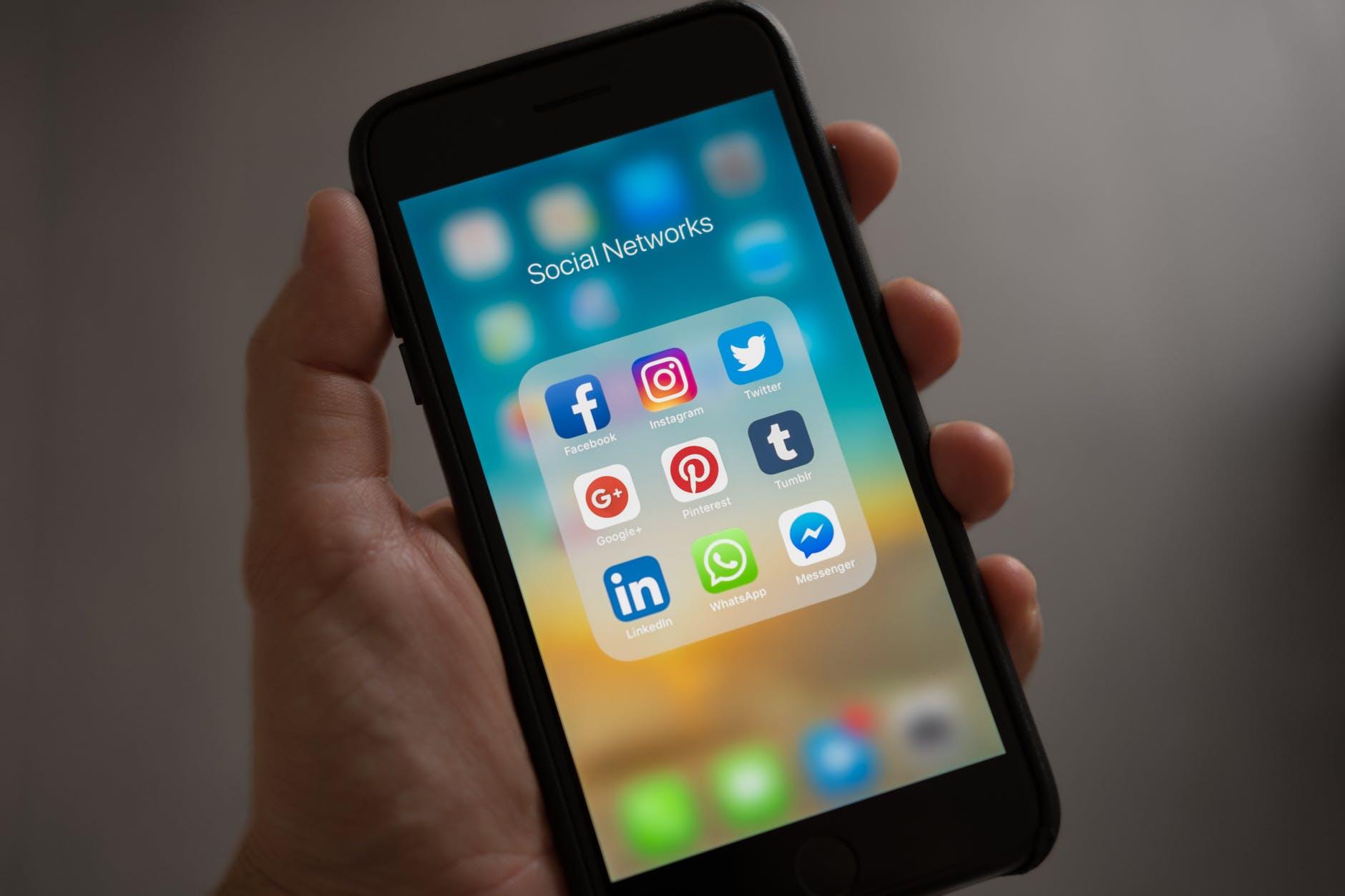 Las 6 estafas más frecuentes en redes sociales