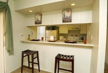 $1105 / 2br – 1300ft2 – VERY NICE 2 BEDROOM 1.5 BATH (Near Millenia and FL Mall Area)