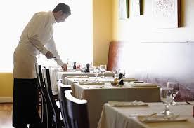Server/Busser position in a great Restaurant in Weston (Weston)