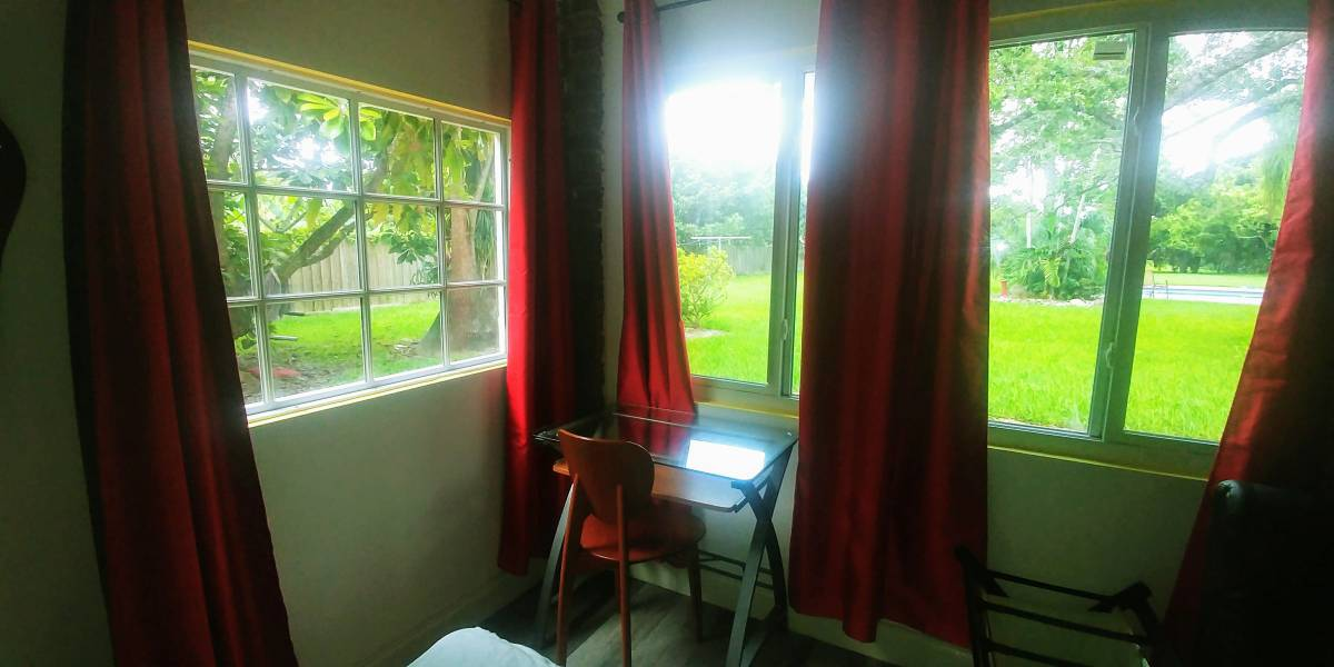 $800 / 400ft2 – Fully Independent Room (Miami)