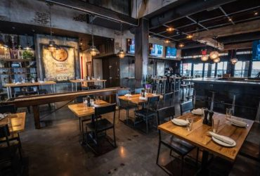 THE TAPROOM AT NAVY PIER PRIME SEEKS SERVERS & BUSSERS (Staten Island)