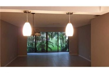 $1525 / 2br – 1150ft2 – Updated 2/2 in Coconut Creek is a MUST SEE!!! Fast Approval (Coconut Creek)