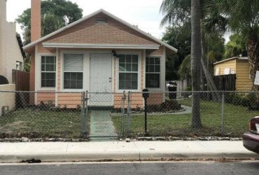 $2000 / 3br – 1468ft2 – 6th Avenue to L St Go N to the address!!!! (Lake Worth , FL)