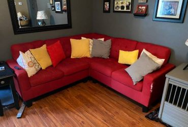 Couch – free (Oviedo)