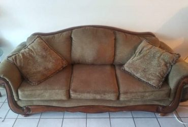 Curb alert! Sofa, loveseat, couch, pullout couch (Weston)
