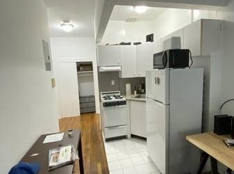 $1895 CHELSEA GEM_GREAT STUDIO $1895_RARE FIND AND MUST SEE (Chelsea)
