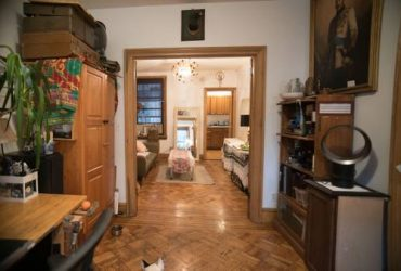 $1500 / 2500ft2 – large room with personal outdoor space (Williamsburg)