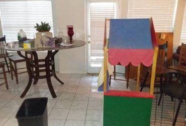 Free furniture. Come get it (Plano)