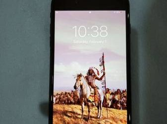 Unlocked iPhone 8 p+ ^256GB=Box/charger)* ||MINT CONDITION|| – $201