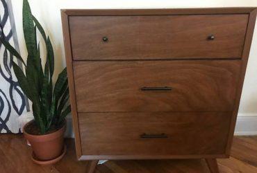 Curb alert: Wayfair Parocela dresser (Clinton Hill)