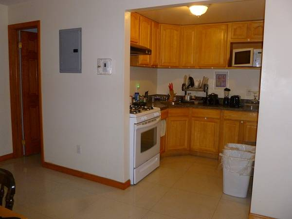 $650 / 1600ft2 – Need one more girl to share (Bronx)