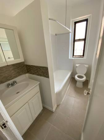 $1510 / 1br – Beautiful and Spacious 1 Bedroom on Sheridan Ave