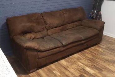 Confortable Brown Couch (TAMPA)