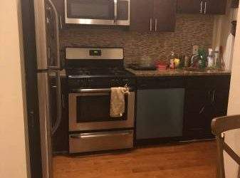 $900 / 700ft2 – Furnished room renovated bathroom /kitchen 2 min from 2 train (Olinville)