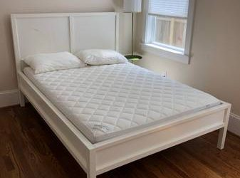PENDING PICK UP Free Ikea Bed and Mattress (Full Size) (Spring)