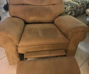 Recliner (large) (Highpoint of Delray)