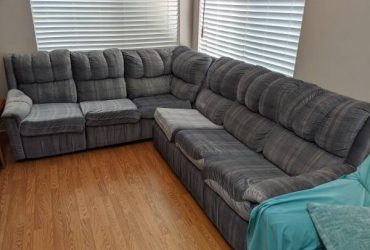 2-piece sofa set with retractable queen bed – free (Altamonte Springs)