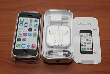 Apple iPhone 5C Verizon with FACETIME, Headphones & Charger – $145