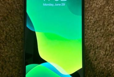 *NEW* Gold iPhone XS Max 256gb – $749 (Gainesville, Florida)