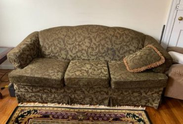 FREE – Couch Set (Astoria)
