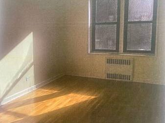 Rento Hermoso cuarto muy luminoso $850 (Flushing) (Flushing)