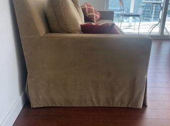 Free Couch (Downtown Miami)