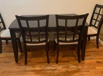 Free kitchen/dining table (East Village)