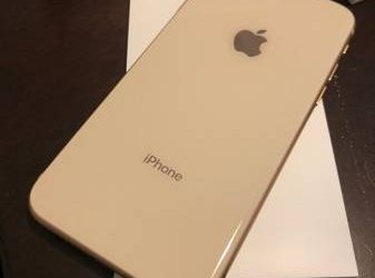 iPhone 8 64g rose gold – $250