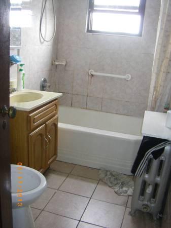 $640 / 160ft2 – Cozy Room Great Location (Elmhurst – Jackson heights)