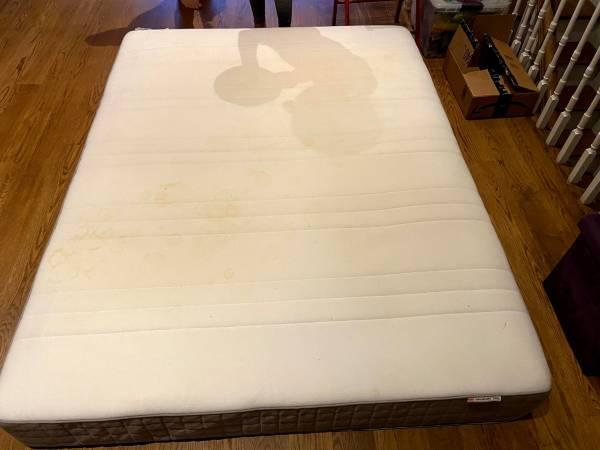 ikea mattress, used for a year, super new and needs new home (brooklyn)