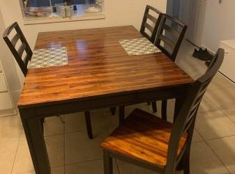 Dining room table and 4 chairs, solid wood (POMPANO BEACH)