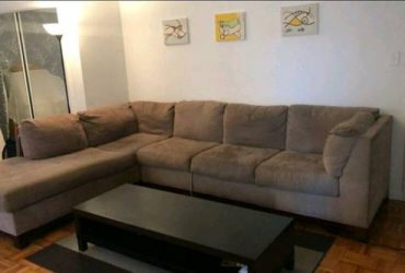 Free couch sectional couch / sofa (astoria)