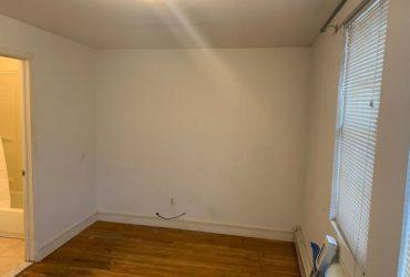 $1000 Very nice room plus full bath to rent in Astoria (Astoria)
