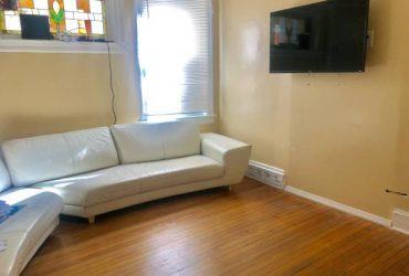 $750 Habitacion para dama (Staten Island)