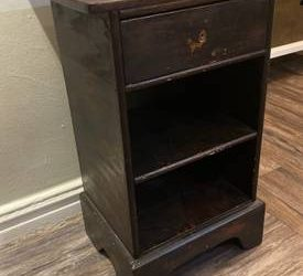 Nightstand with drawer (Astoria)