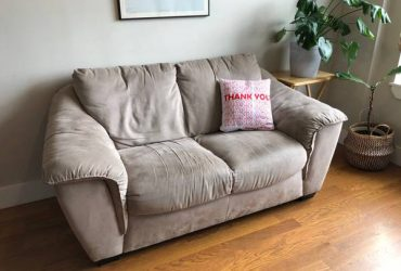 Free super comfy couch (Bed-Stuy)