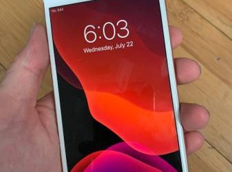 Rose gold iPhone 6s Plus – $130 (West palm beach)