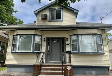 $2500 / 3br – 2000ft2 – Beautiful 3 bedroom apartment includes utilities for rent (Westerleigh)