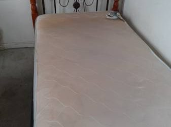 TWIN BED FRAME/MATTRESS/NEW SHEETS (Brooklyn)