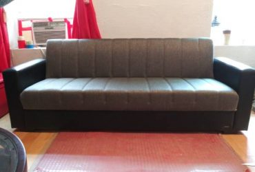 New pull out couch (Staten island NY)