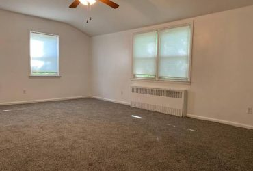 $1950 / 2br – 1120ft2 – Two Bedroom Apartment (Oakwood)