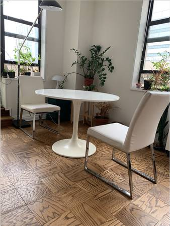 Table and Chairs (2) (Upper East Side)