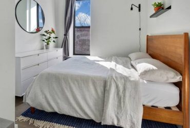 $355 I'd love to live with a friendly roommate!***