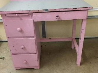 Kids craft table/desk