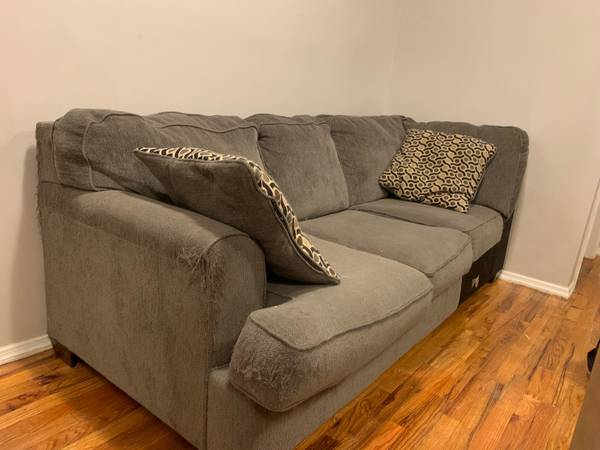Sectional comfy couch (Bedford Stuyvesant)