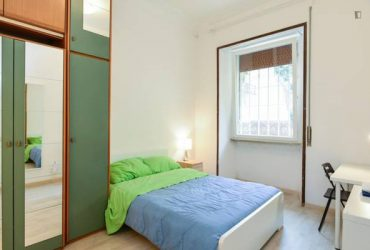 $346 / 678ft2 – Wonderful bedroom and bathroom – Close to Shopping!