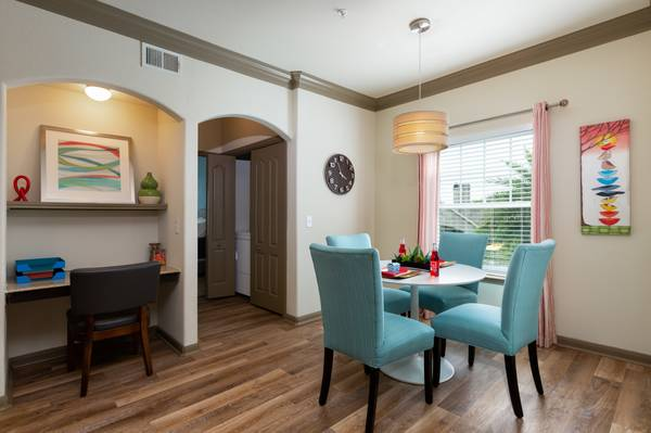 $1014 / 2br – 1051ft2 – ֍ Apartment Available in Kemah!!!
